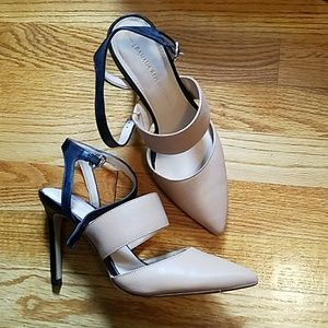 Leather Banana Republic Heels